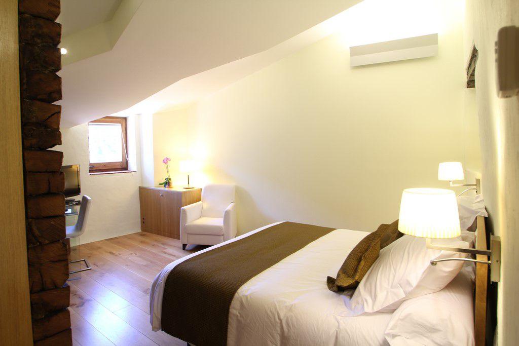 Chambre d 39 h tel romantique la moixera h tel can cuch for Chambre hotel romantique