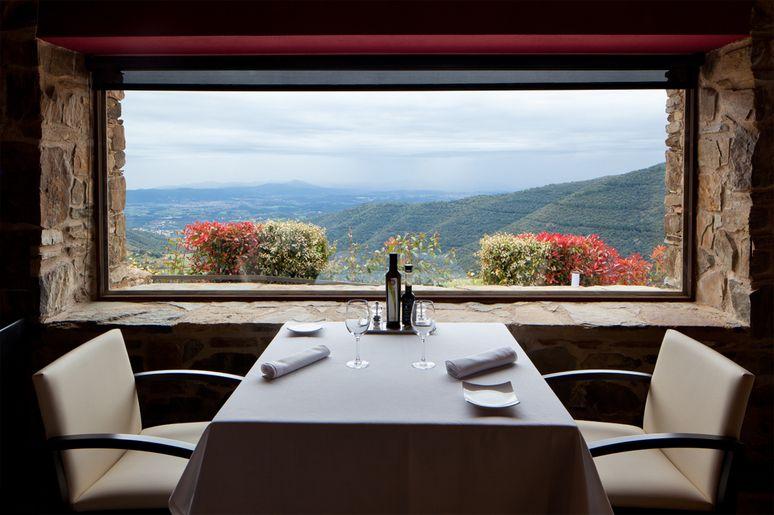 Restaurant avec des vues dans le montseny h tel can cuch for Hotel avec restaurant